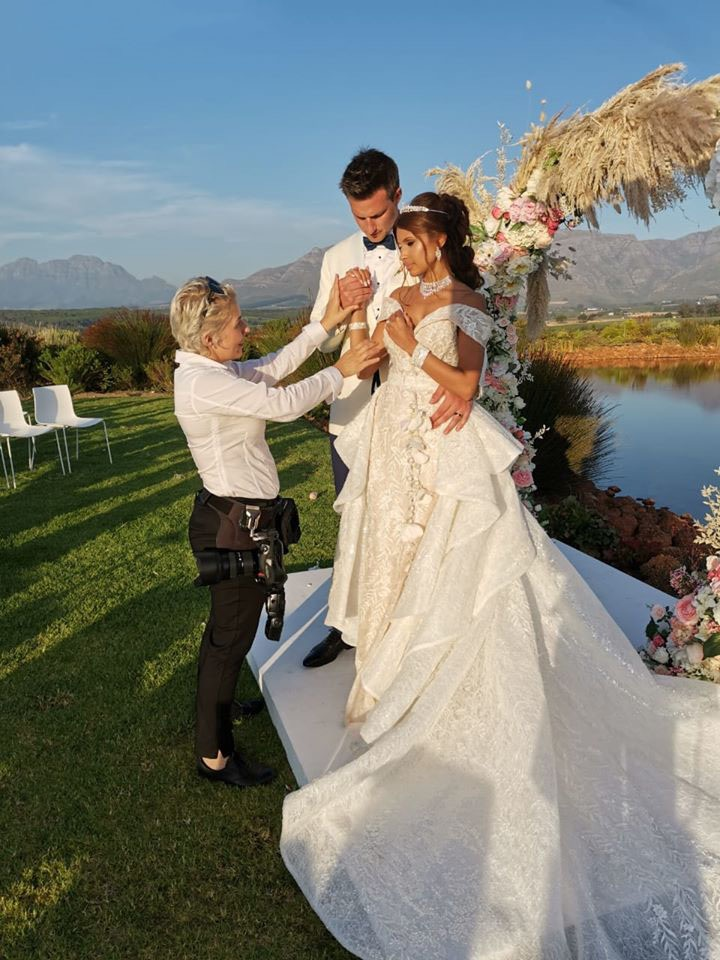 5 Things to Consider While Booking Your Wedding Photographer